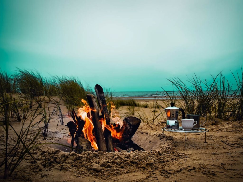 Camping Outside - Romantic Camping Ideas - Make Your Trip ...